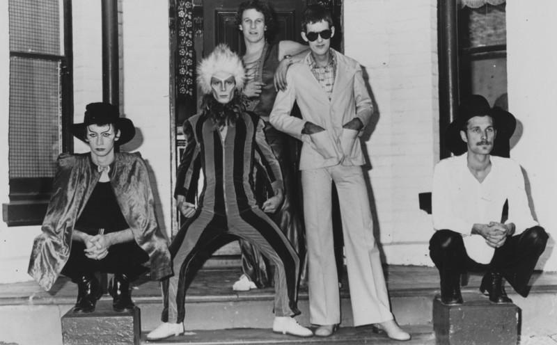 Hooks 1975
