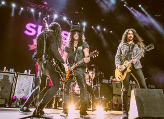 Slash Myles Kennedy And The Conspirators 01
